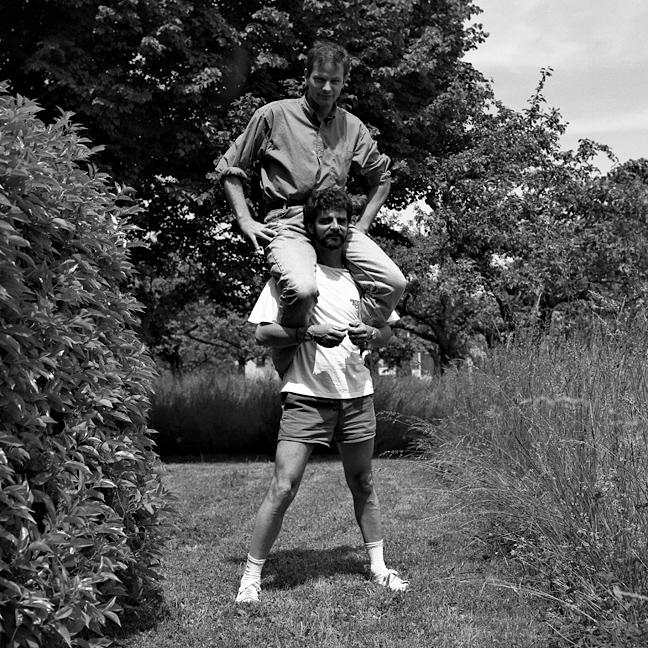 Blanc sur Blanc (avec Damien Blanc & Alberto Blanc), 1993 – photographie noir et blanc / black and white photograph – 120 x 120 cm.