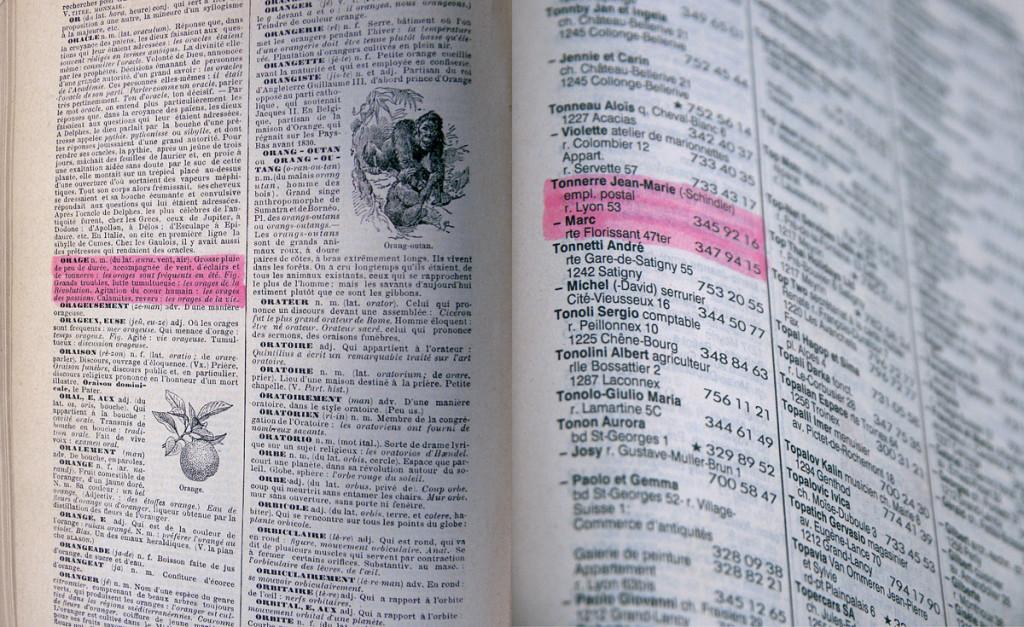 Compare, 1995 – dictionnaire & annuaire téléphonique / dictionary & phone book