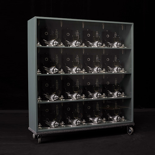 vertical pattern square grey I, 2008 - display cabinet, sundry objects – 102 x 102 x 25 cm.